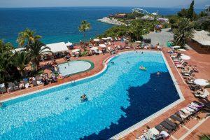 Pine Bay Holiday Resort Zwembad